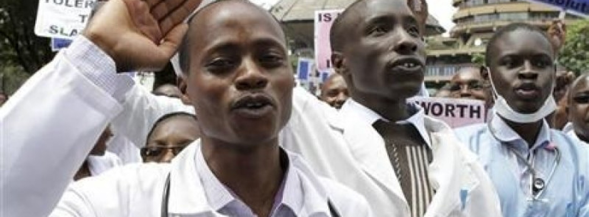 Ghanaian doctors suspend strike