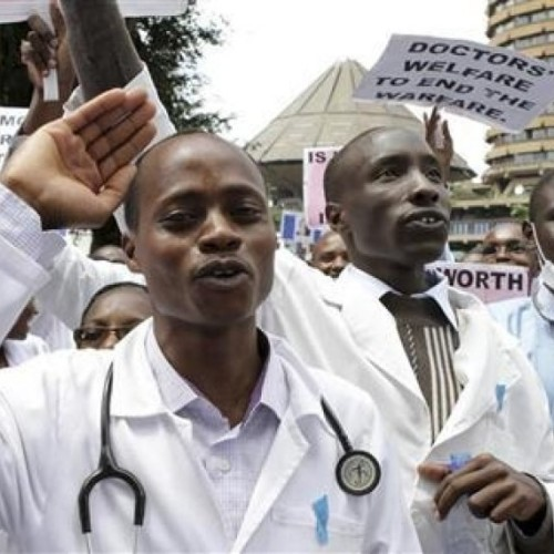 Ghanaian doctors suspend strike