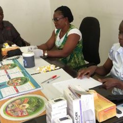 Blood glucose screening for journalists begins