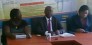 FCT ARD President Dr.  Isaac Akerele, flanked by other ARD officers, at the press conference.