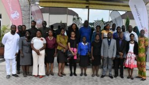 Group photograph of participants at the press briefing